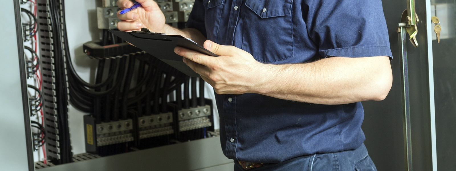 8 Ways Commercial Electrical Services Can Help Your Business