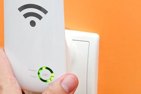 What Is a Wifi Extender, and How Can It Help Me ?